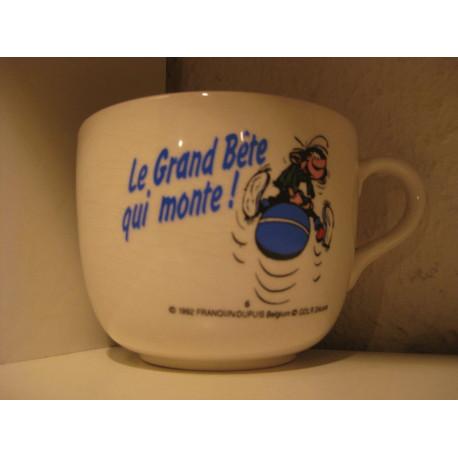 1-tasse-gaston-lagaffe-6-le-grand-bete-qui-monte